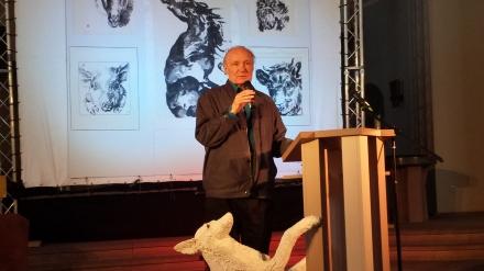 Eugen Drewermann während seines Vortrages in der Dortmunder Pauluskirche; Fotos: C.-D. Stille