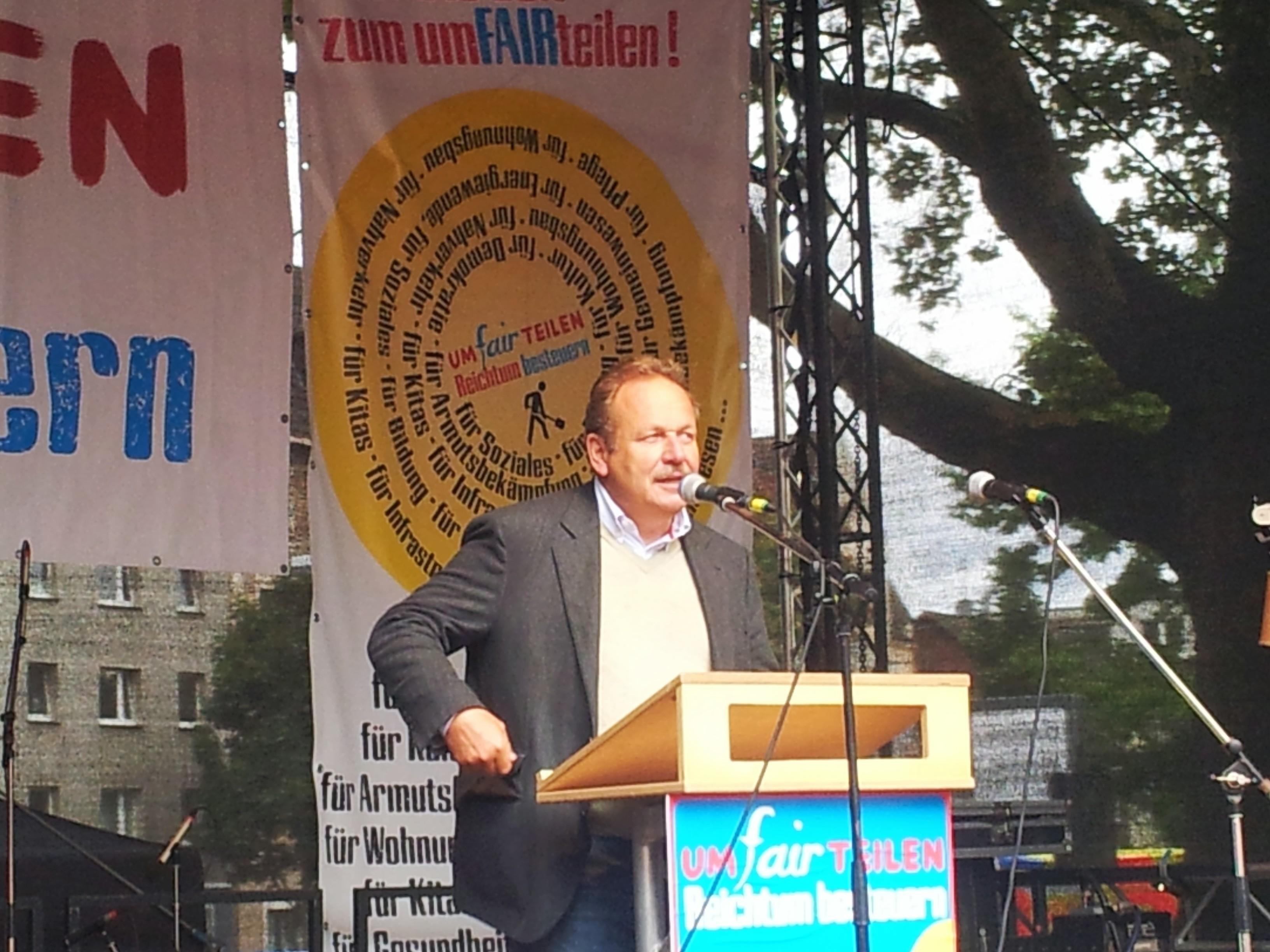 Auch ver.di-Chef Frank Bsirske (wie hier in Bochum) kämpfte 2013 noch wie ein Löwe für Umfairteilung. Nach der Bundestagswahl wurde auch er wieder ziemlich still;  Foto: C. - D. Stille