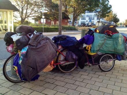 Sichtbare Armut in einem reichen Land wird kaum thematisiert; Foto: Barbara Nobis via Pixelio.de
