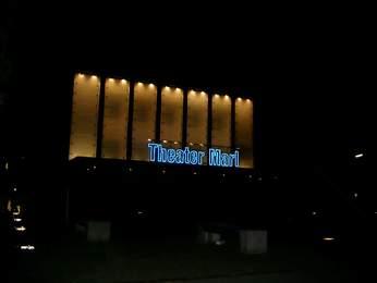 Das Theater Marl am Abend; Foto: Claus Stille