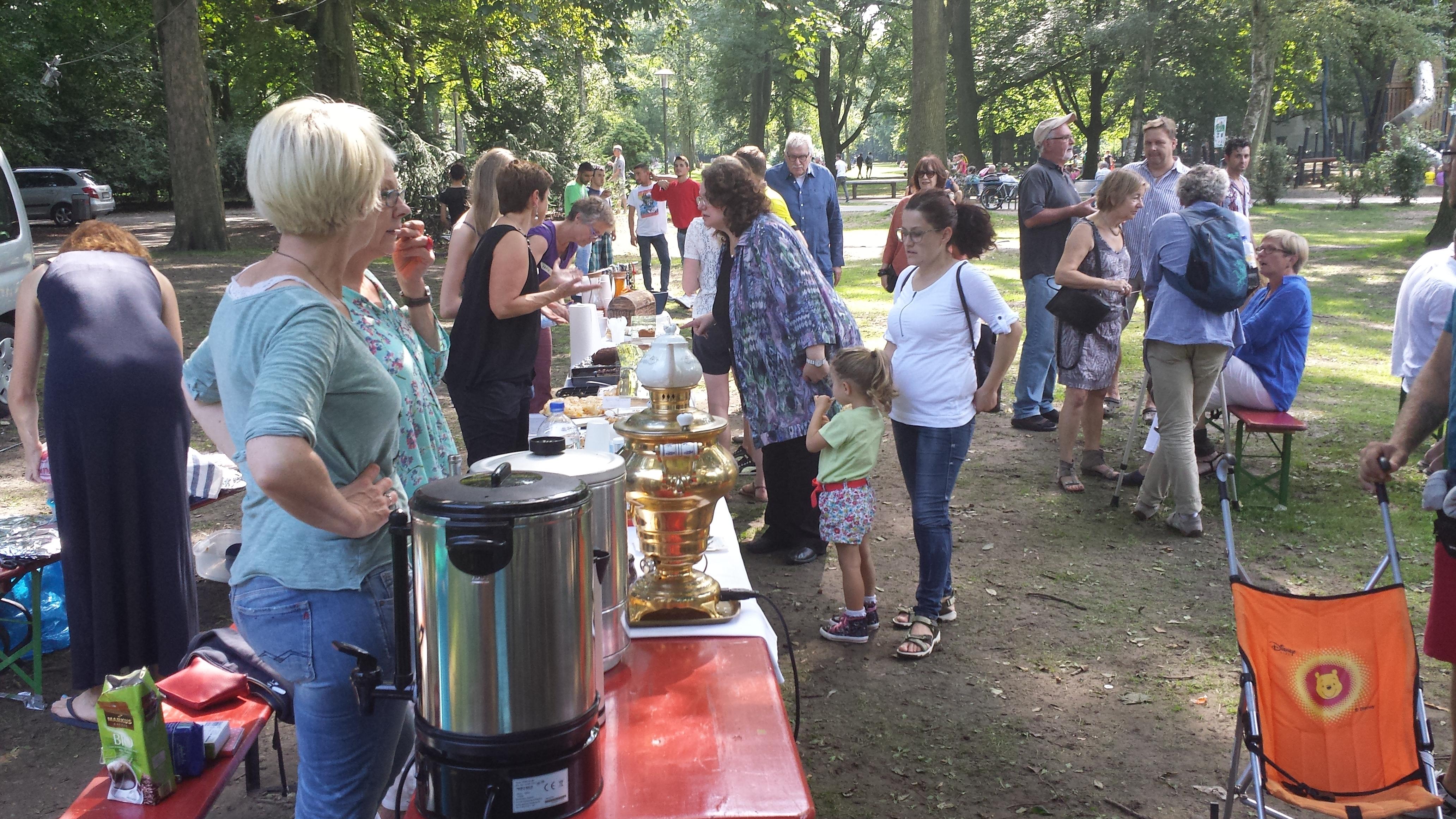 Speisen und Getränke waren wie die Gäste multikulturell; Foto: Stille