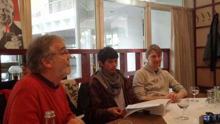 Johannes Spatz informierte bereits vor einem Jahr zusammen mit dem Indonesier Yosef Rabindanata Nugraha (22) aus Bogor (Indonesien) und dem Dortmunder Max Vollmer über das Anliegen des Forum Rauchfrei; Foto: C.-D. Stille