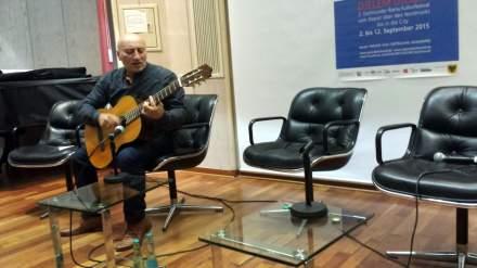 Umrahmte die Veranstaltung virtuos: Mustafa Zekirov.
