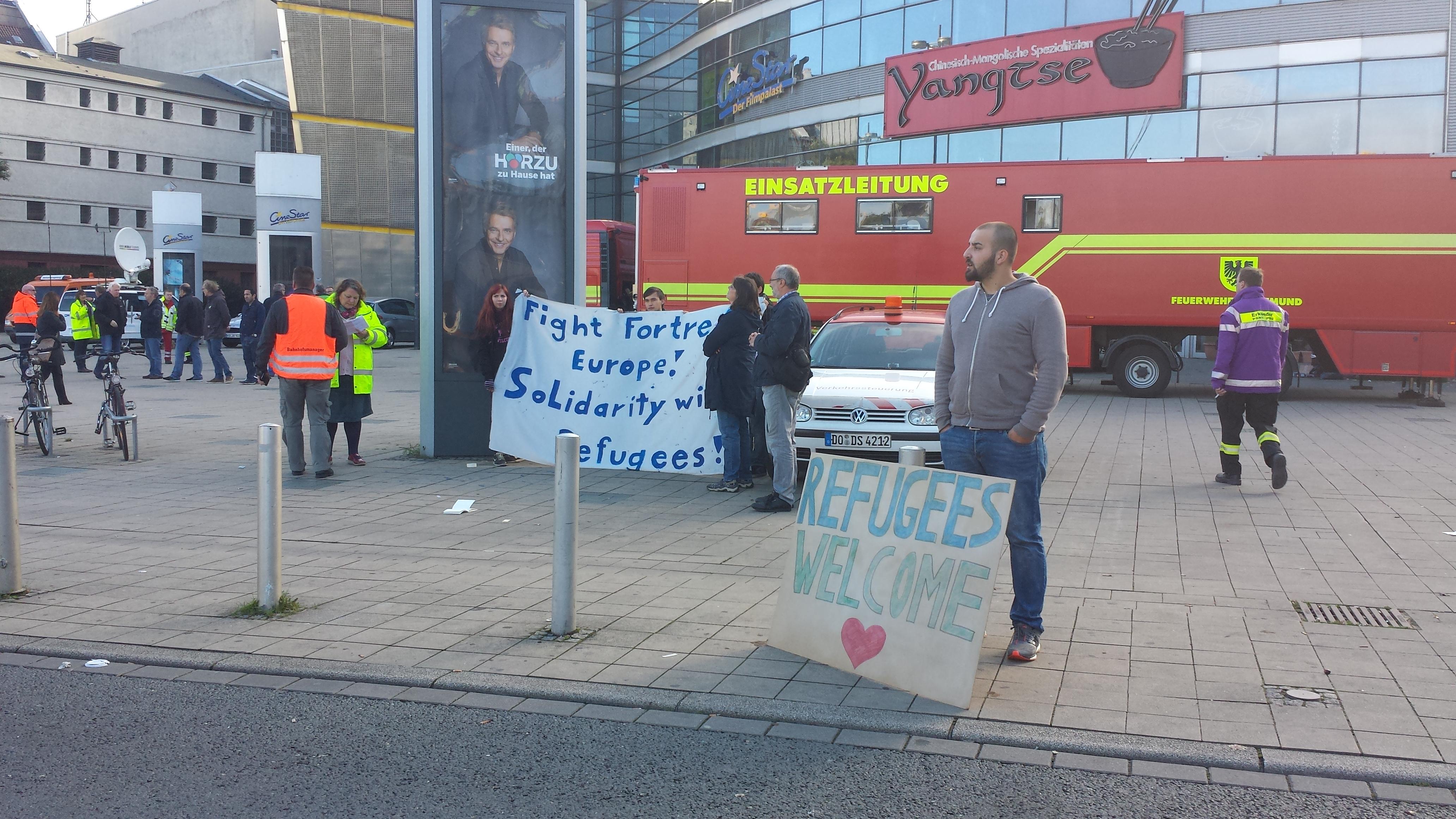 Über die Einsatzleitung der Feuerwehr Dortmund am Nordausgang des Hauptbahnhofes erfolgte vor einem Jahr die nötige Koordinierung; Foto: C.-D. Stille