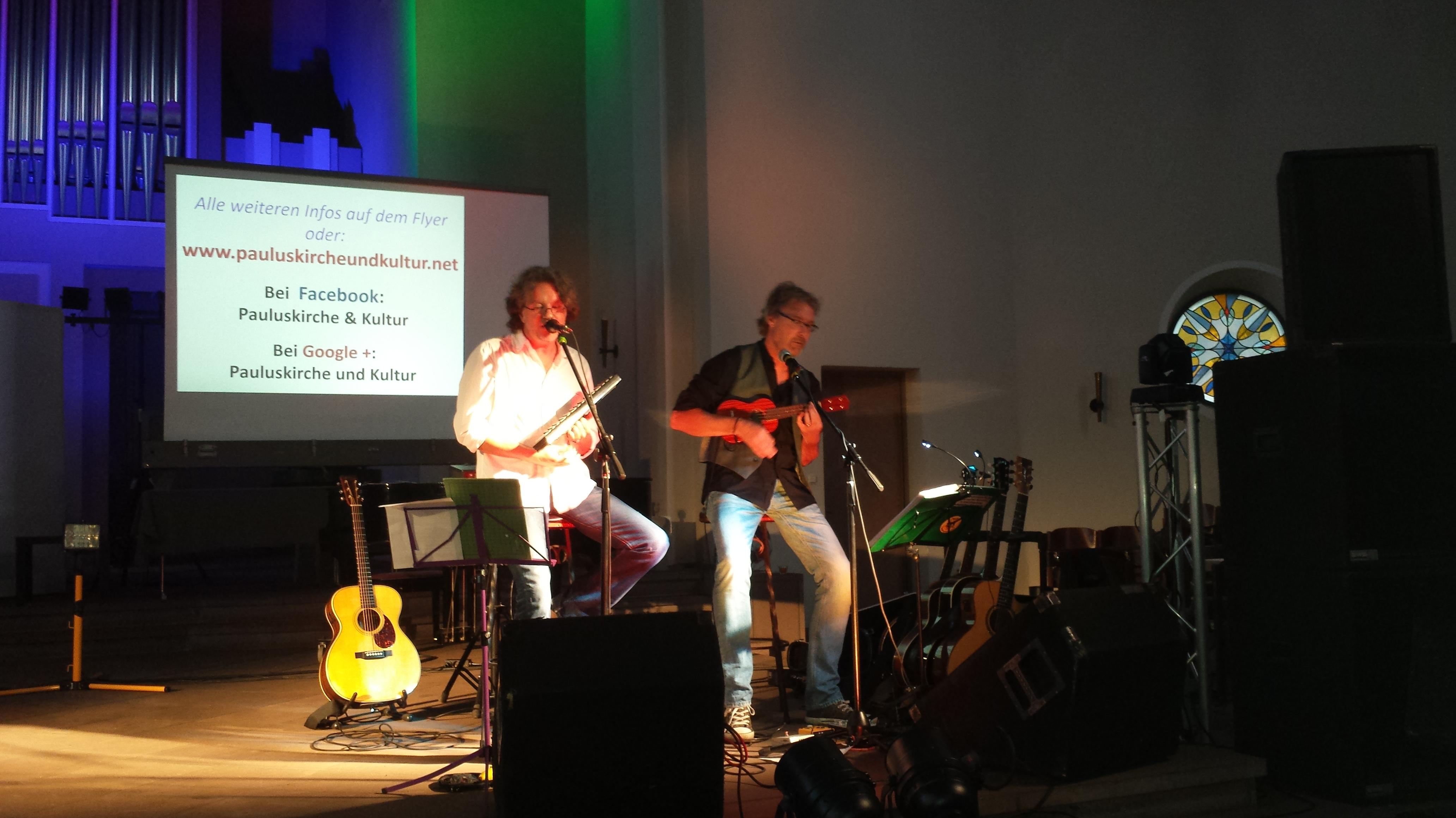 """Musikalisch begleiteten """"Food for Soul"""" den Gottesdienst."""
