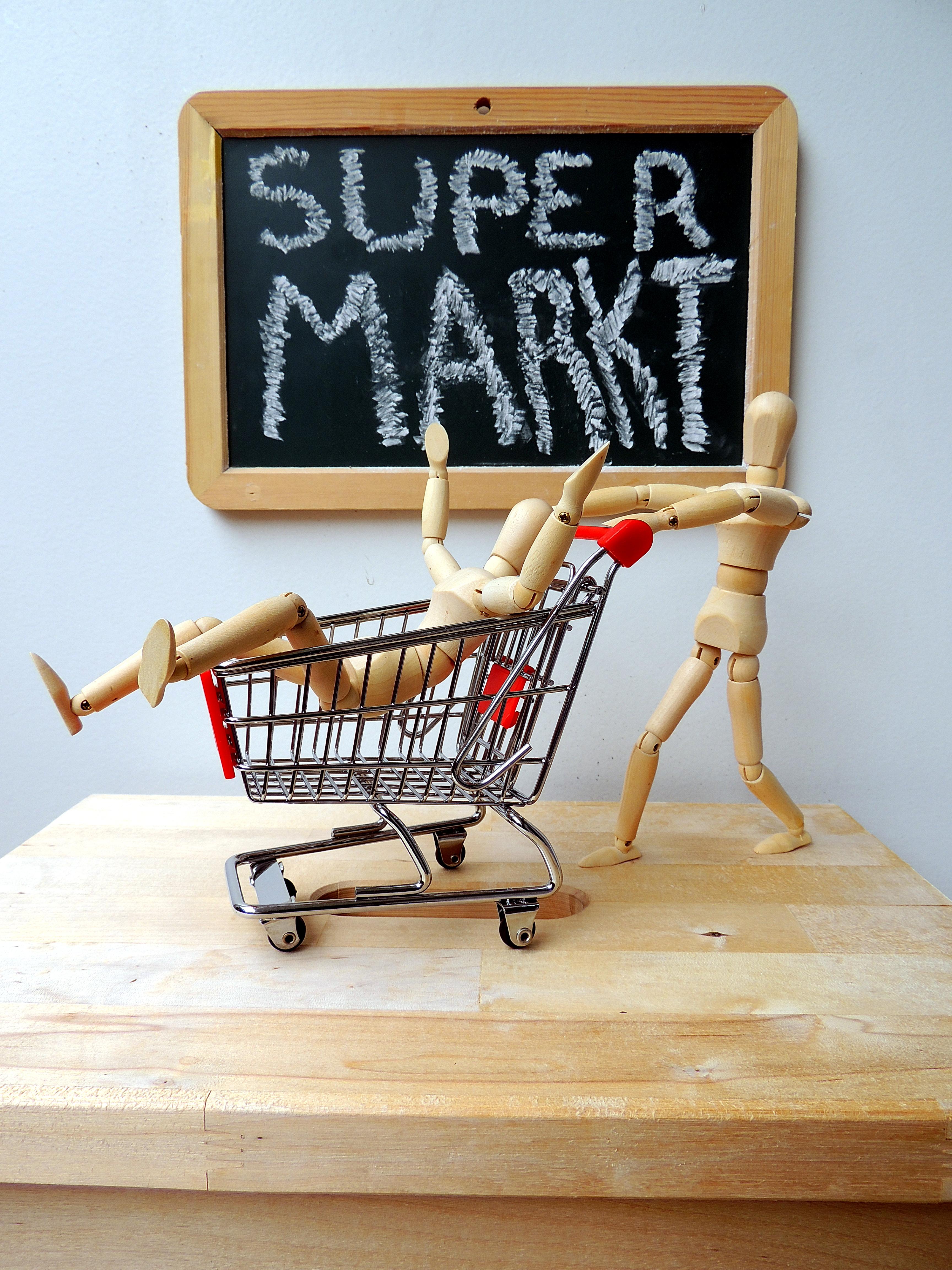 Alles super (beim) Edeka-Markt?; Foto: Jürgen Jotzo via Pixelio.de