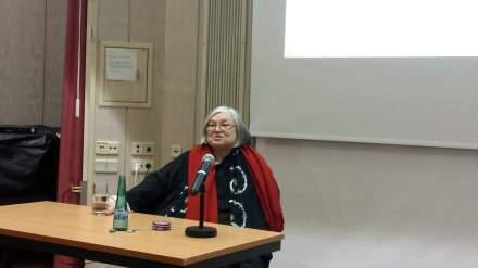 Karla Schefter während ihres Vortrags in Dortmund; Fotos (2): C.-D. Stille