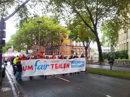 Auch in Bochum demonstrierten vor einiger Zeit Menschen für UmFAIRteilen; Foto: C.-D. Stille