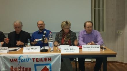 Torsten Sommer (rechts außen), MdB Piraten, brachte u.a. das Bedingungslose Grundeinkommen aufs Tapet.
