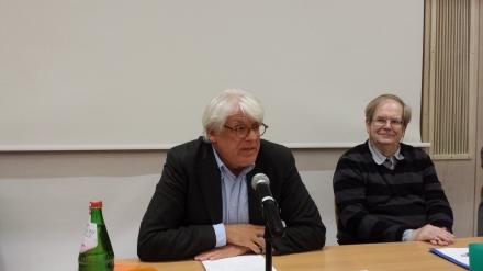 Prof. Dr. Heinz-J. Bontrup und Moderator Peter Rath-Sangkhakorn (v. links nach rechts); Fotos: C.-D. Stille