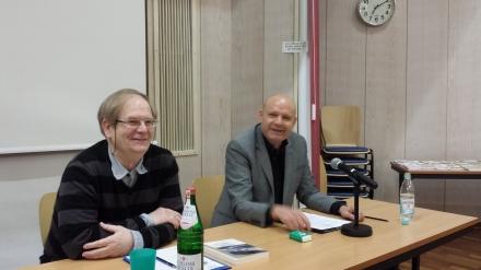 Peter Rath-Sangkhakorn und Prof. Dr. Martin Höpner (von links nach rechts).