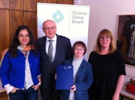 Für TOUCHDOWN 21 nahmen Julia Bertmann (3. v.l), Dr. Katja de Bragança (1. v.l.), Anne Leichtfuß (ganz rechts) und Prof. Dr. Dr. Heinz Schott (2. v.l.) die Nominierung entgegen. Foto: TOUCHDOWN21