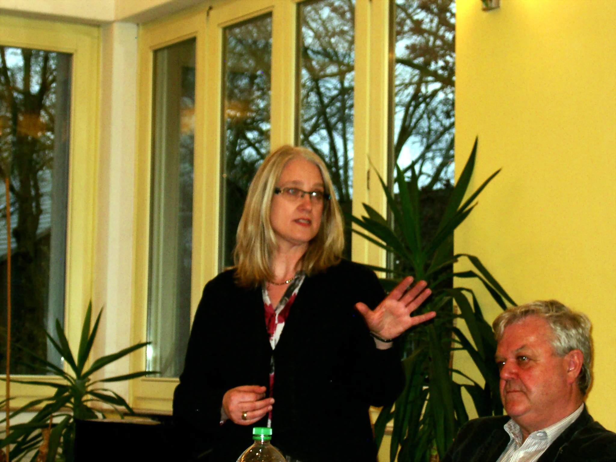 Renate Lanwert-Kuhn vom KAB beim zweiten Input-Referat.