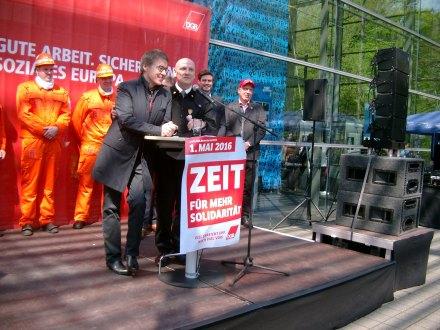 "Ruhrfestspielintendant Dr. Frank ""Kumpel"" Hoffmann und Norbert Maus eröffnen die 70. Ruhrfestspiele."