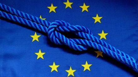 Bekommen wir ein soziale und demokratischere EU hin, oder fliegt und das Ding um die Ohren?; Foto: lupo via pixelio.de