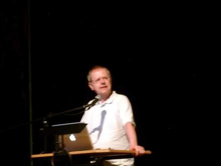 Prof. Christoph Butterwegge während seines Impusvortrags.