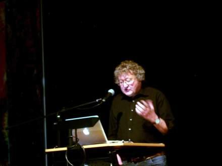 Prof. Werner Patzelt spricht.