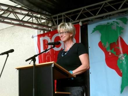 Die Vorsitzende des DGB Dortmund Hellweg, Jutta Reiter, während ihrer Ansprache.
