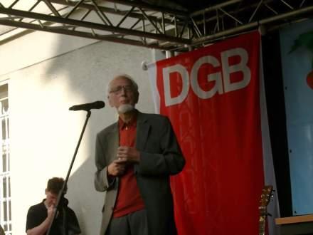 Dr. Erhard Eppler war der diesjährige Hauptredner zur Antikriegskundgebung in der Dortmunder Mahn- und Gedenkstätte Steinwache. Fotos: C.-D. Stille