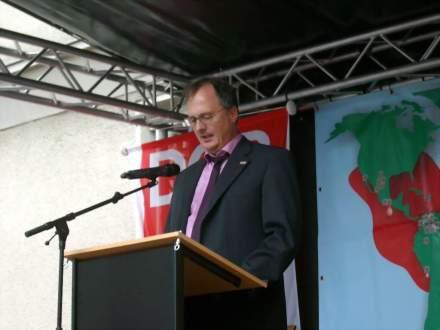 Frank Siekmann (SLADO e.V.) erinnerte an das Schicksal von verfolgten Homosexuellen im Dritten Reich.
