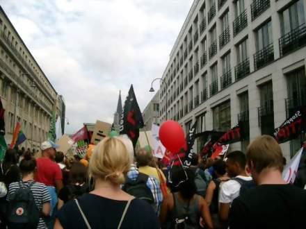 Die Straßen auf der Demoroute in Köln waren proppevoll.