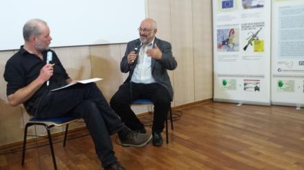 Jürgen Grässlin (links) im Gespräch mit Moderator Mark Brill.
