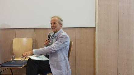 Reiner Braun während einer Veranstaltung in der Auslandsgesellschaft NRW Dortmund. Foto: C.-D. Stille