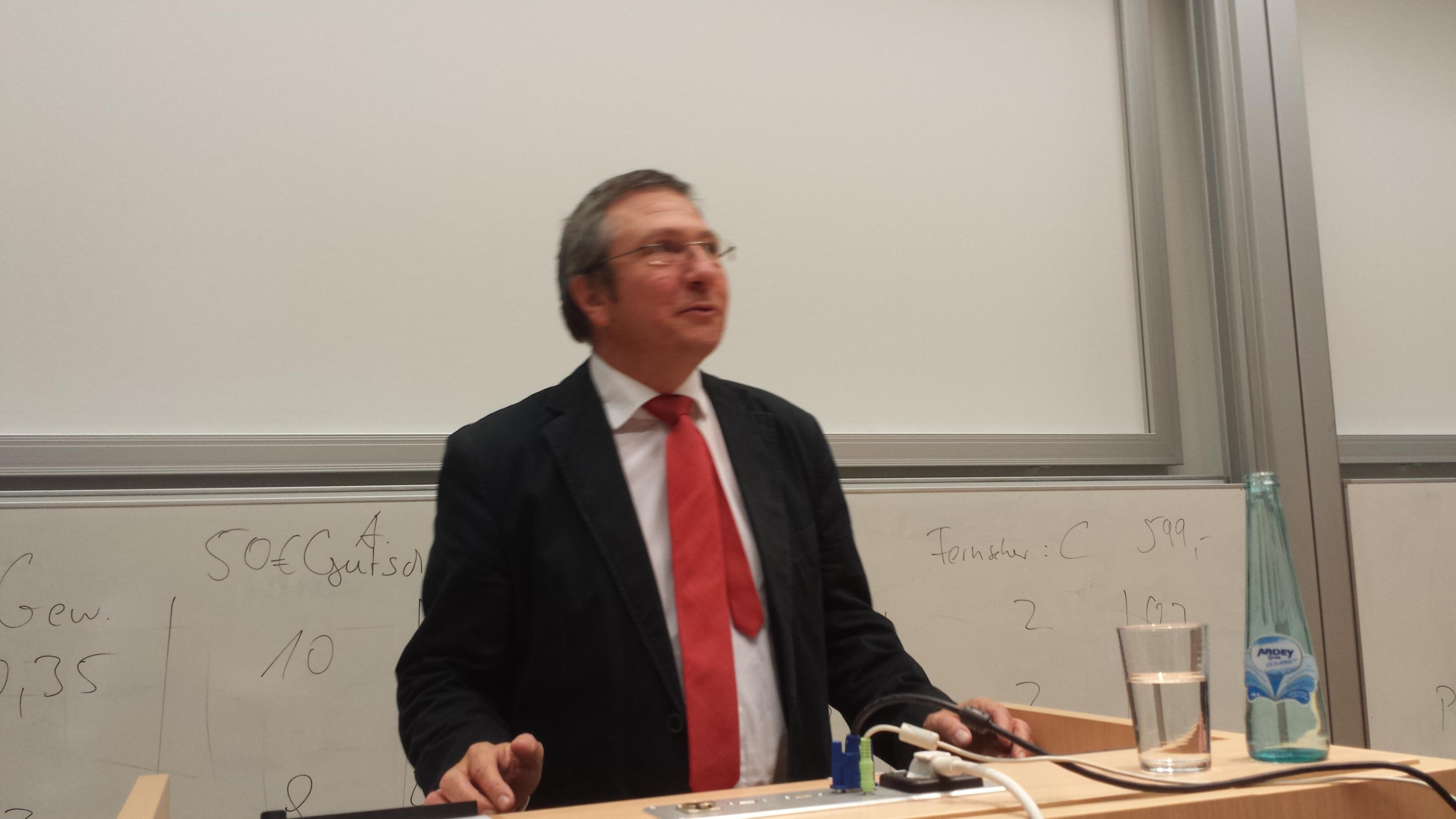 Der Rektor der FH Dortmund, Prof. Dr. Wilhelm Schwick.