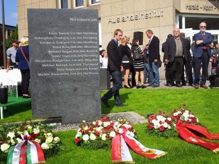 Gedenkstein für alle Mordopfer der rechtsextremen Terroristen in Deutschland vor dem Sitz der Auslandsgesellschaft NRW in Dortmund.