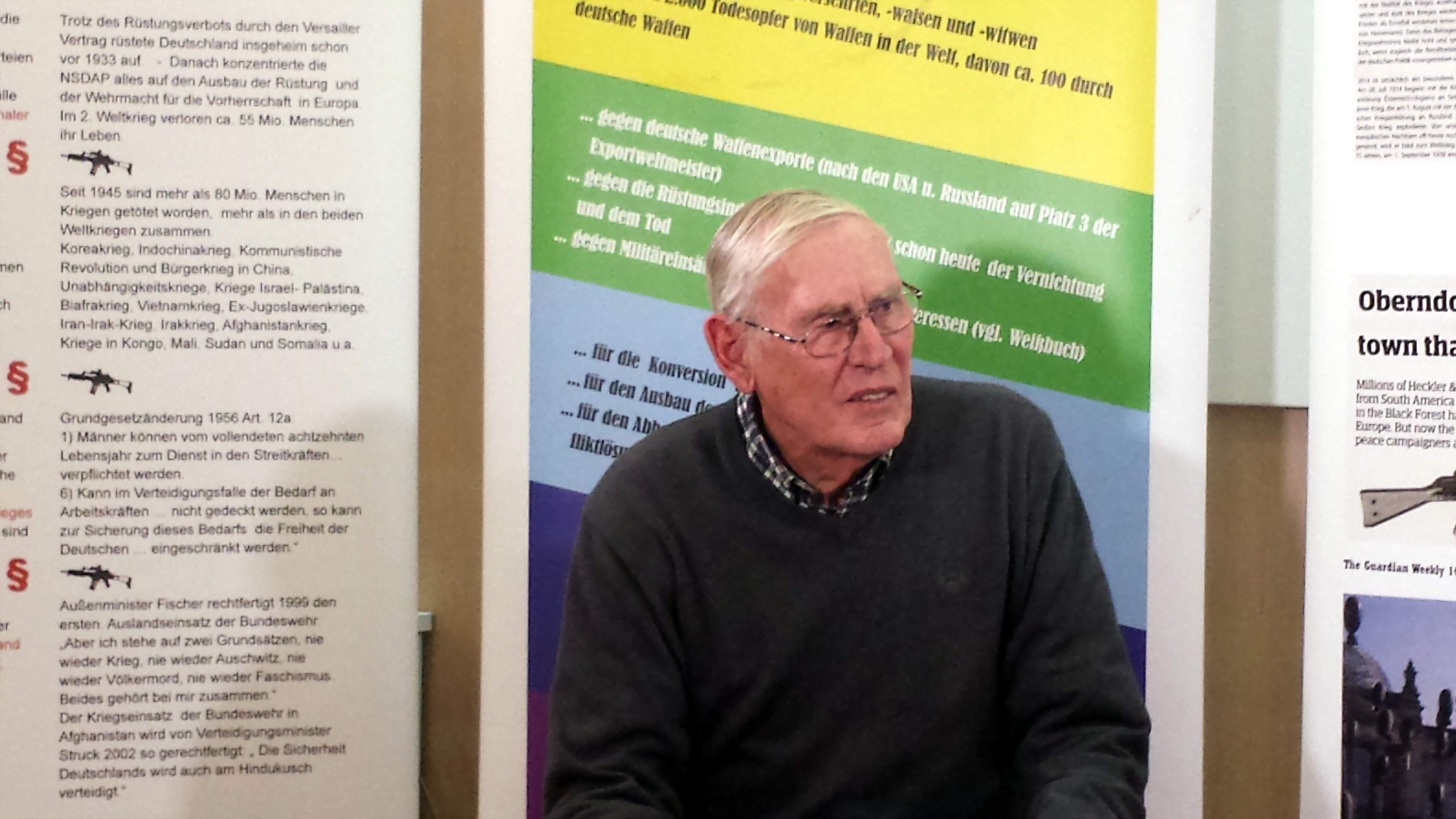 Willi Hoffmeister rief zum Mittun bei der Friedensarbeit auf. Foto: Stille