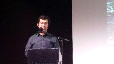 Ismail Küpeli während des Vortrags. Foto: Stille