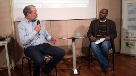 Gastgeber Mark Brill (Bildung für Frieden e.V.) mit Peter Donatus.
